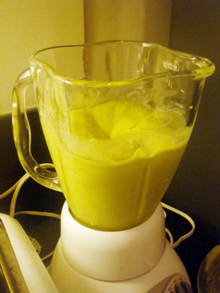 blending the avocado smoothie