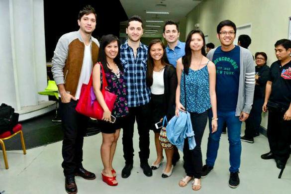 L to R: Fabian, Me, Alejandro, another fan, Daniel, another fan, and my brother. :)